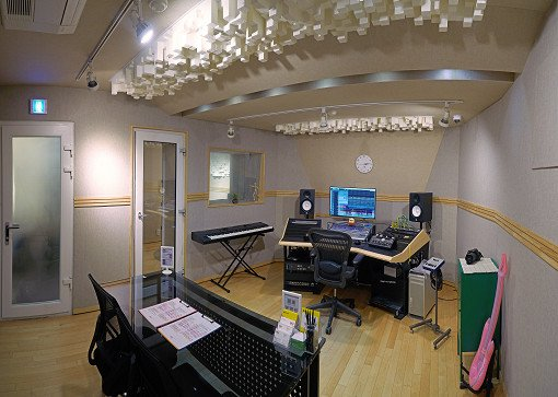 K-Pop Recording In Studio_16