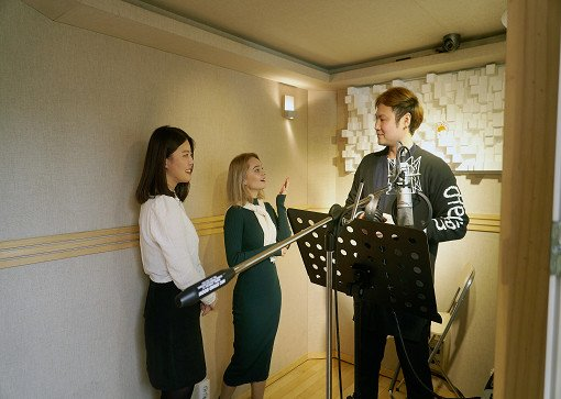 K-Pop Recording In Studio_4