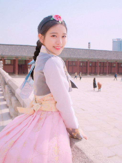 Luxury Hanbok Rental Experience at Gyeongbok Palace_13