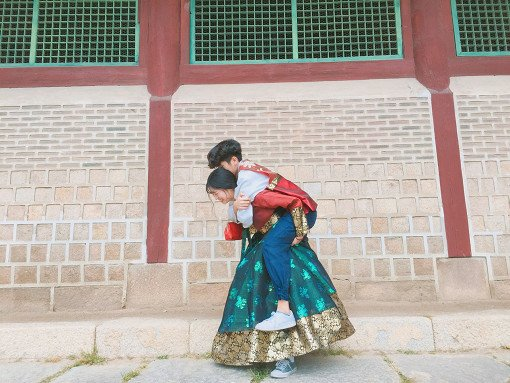 Luxury Hanbok Rental Experience at Gyeongbok Palace_2