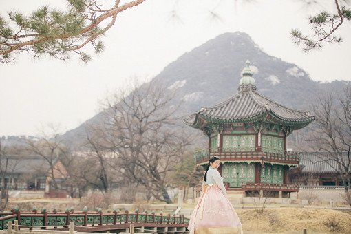 Luxury Hanbok Rental Experience at Gyeongbok Palace_3
