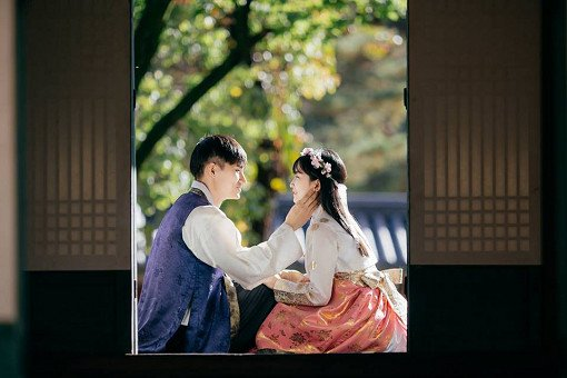 Luxury Hanbok Rental Experience at Gyeongbok Palace_5