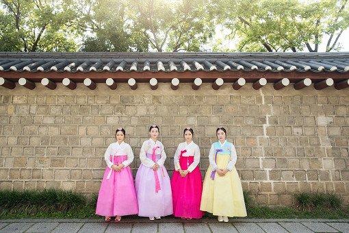 hanbok photoshoot outdoor
