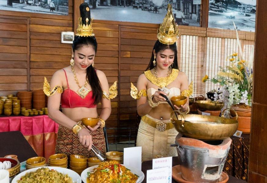 Thailand Pattaya Floating Market Local Thai Food Buffet