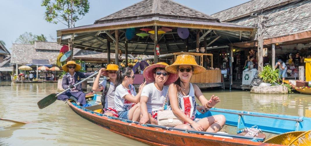 Thailand Pattaya Floating Market Long Tail Boat
