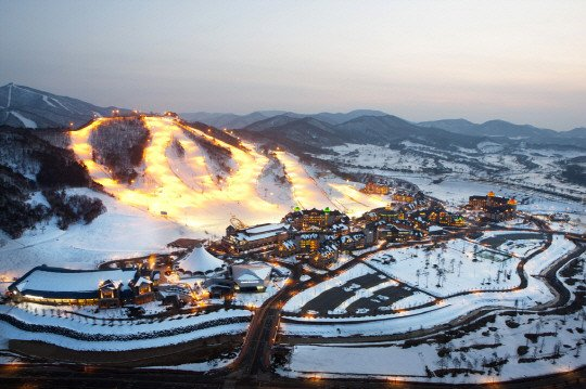 Korea winter season snow, ski, snowboard tour ticket guide